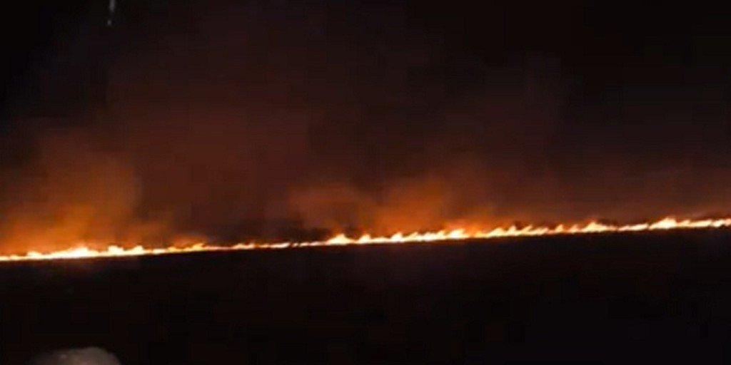 Wildfire lights up night sky in Matagorda County https://t.co/yqdehp2EFN