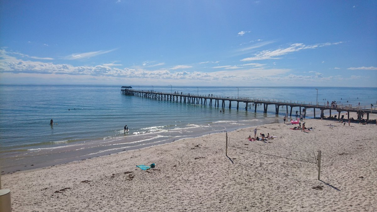 How's this for an incredibly summer like scene at Henley Beach today? @9NewsAdel 34.4 degrees in Adelaide today