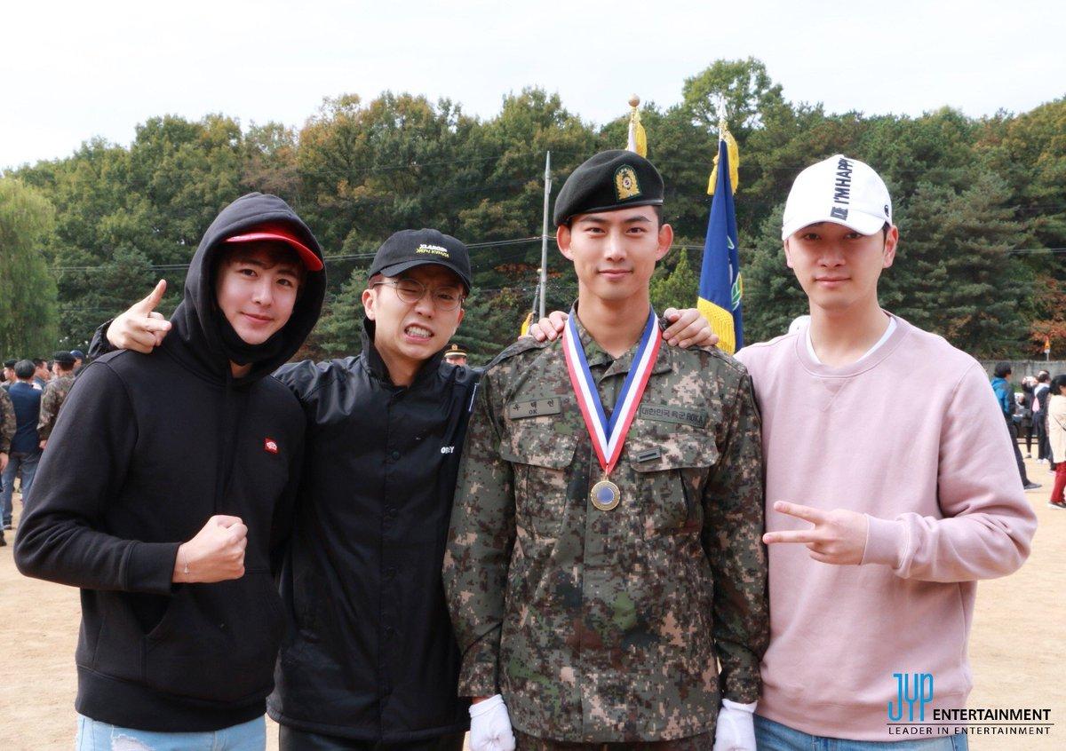 去年の9月に入隊した2PMテギョンとメンバーたち