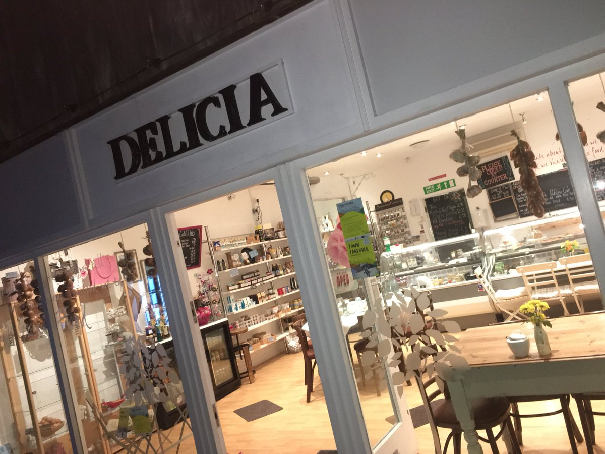 Getting ready for our morning networking in Delicia Deli for Wadebridge #TownTakeover. Come along to free events all day  https://www. ciosgrowthhub.com/towntakeover-1 8th-october-in-wadebridge/ &nbsp; … <br>http://pic.twitter.com/wuF5yepgTM