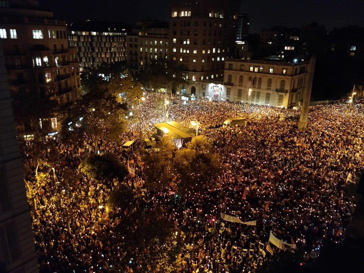 200.000 persones ahir a la nit a Barcelo...