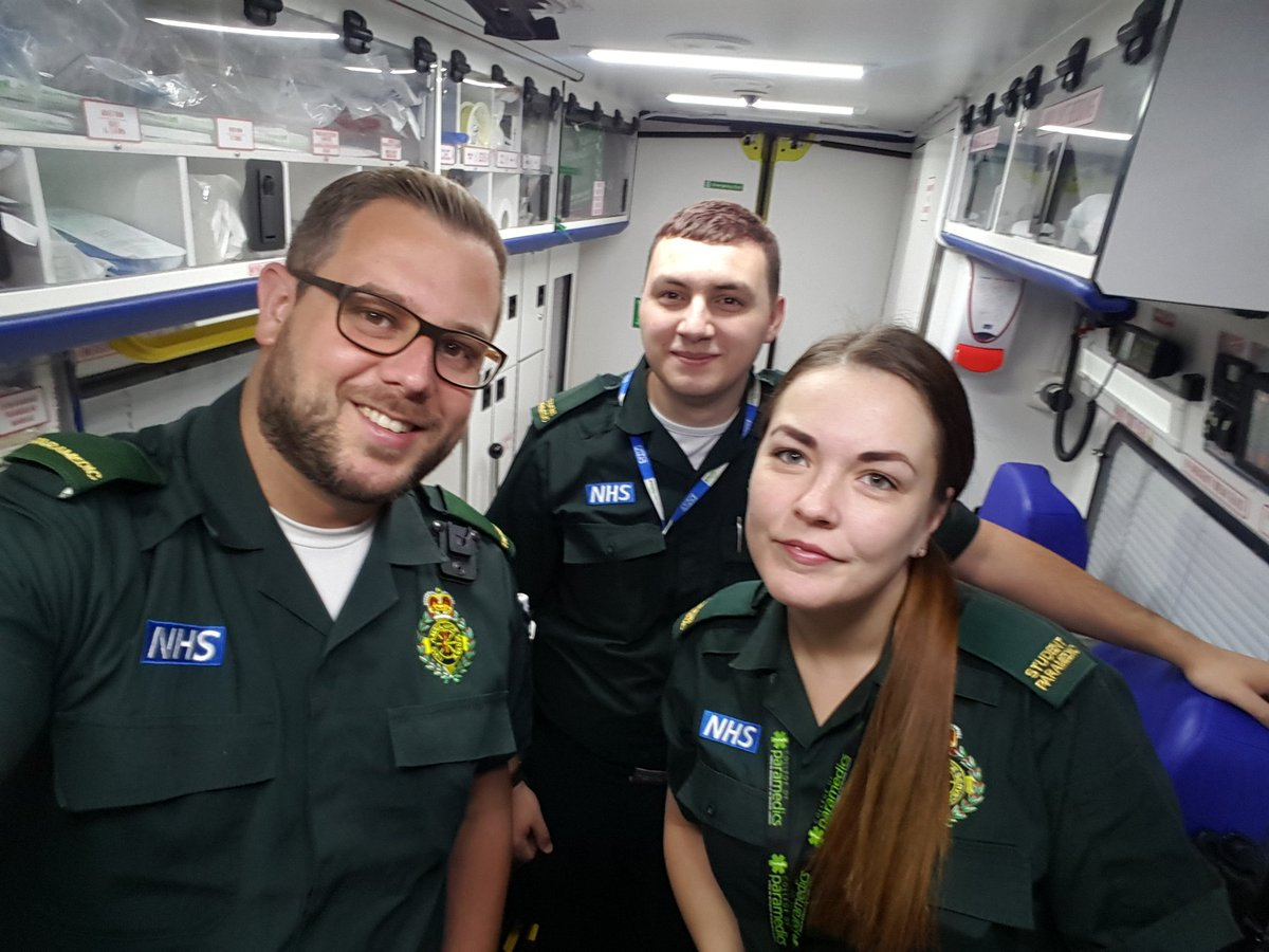 Good morning! Working with student paramedics Kirsty and Ash today, and it&#39;s Ash&#39;s first ever day on the road! #learning #paramedic #dayone<br>http://pic.twitter.com/3x8KQviDCx