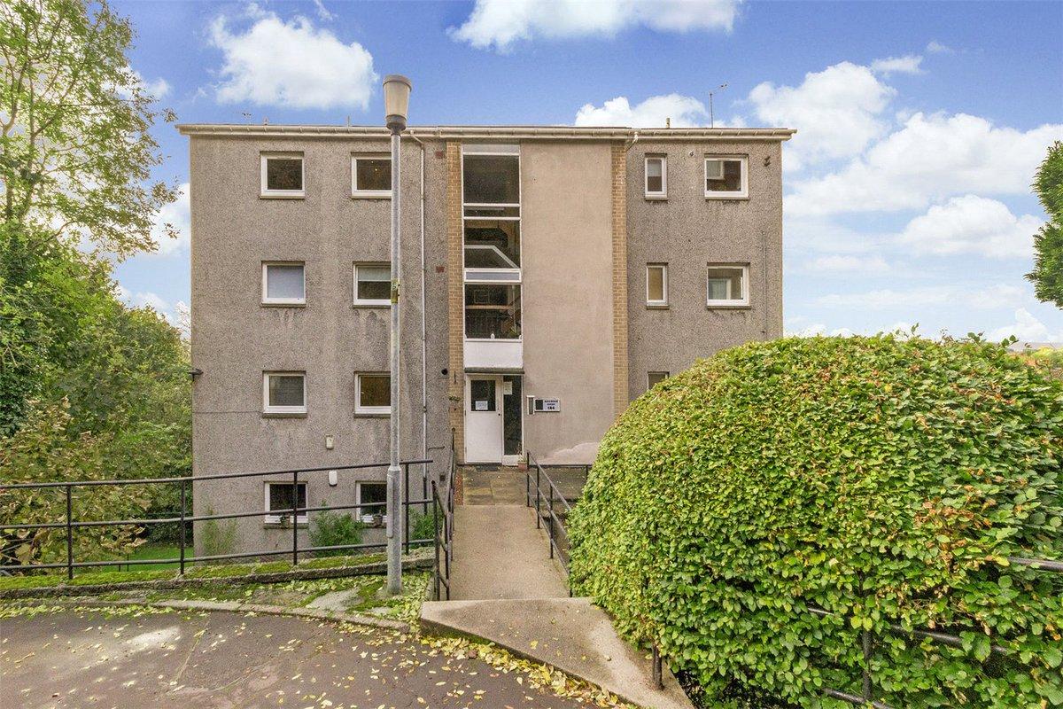Flat 7, 184 Camphill Avenue, Shawlands - Offers over £112,500 @AC_Glasgow #GlasgowNews #PropertyNews   https://www. acandco.com/property/detai ls/aacrps-GLS170357/Flat-7-Camphill-Avenue-Shawlands-Glasgow-G41-3DT &nbsp; … <br>http://pic.twitter.com/Tk8od4gBbL