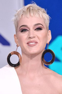 Happy Birthday Wishes going out to Katy Perry!!!