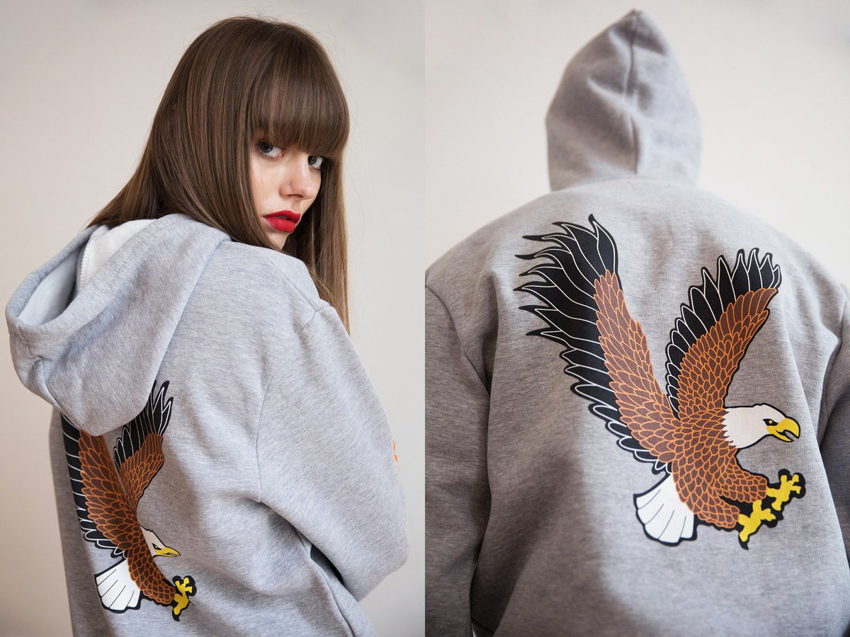 """Grey hoodie with eagle printed in the back, available in """"America"""" collection https://t.co/xT0AP1zEah only on @radshop #radshop https://t.co/uzMem4wDjH"""