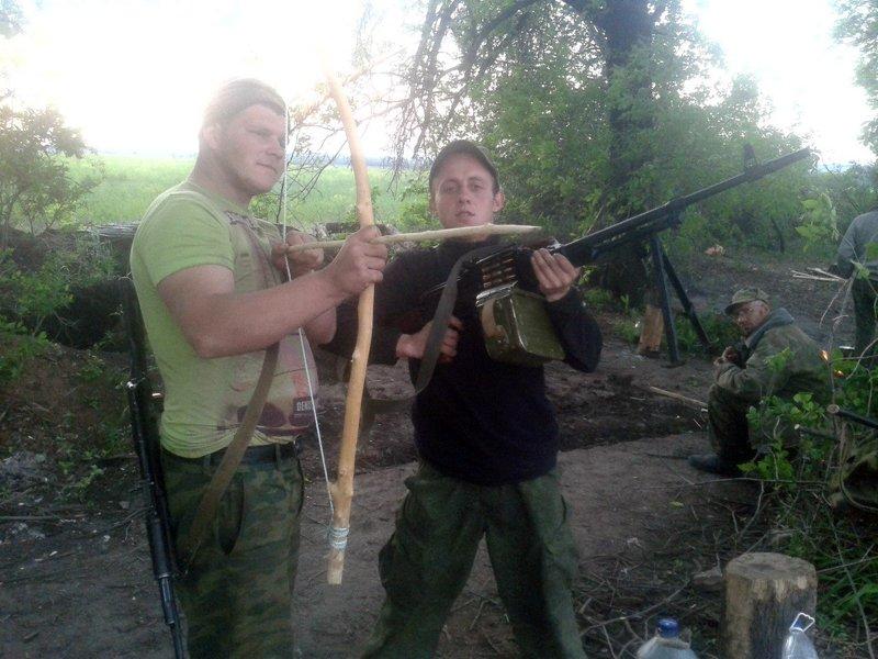 """Российские наемники на пункте пропуска """"Майорск"""" обстреляли палатку, где греются граждане, пересекающие линию разграничения - Цензор.НЕТ 462"""