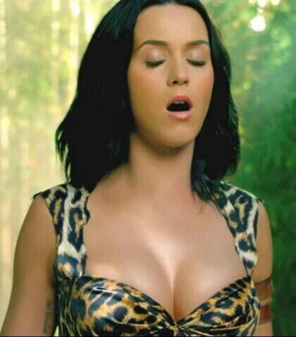 Happy Birthday Katy Perry!  Who\s gonna let her blow out your cock?