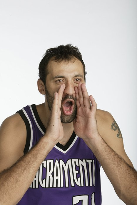 Some Vlade Divac outtakes to get you through another Wednesday... https://t.co/sdOv0ZohXS