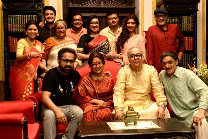 A very Happy Birthday to the one and only Aparna Sen from the Basu Poribaar team.