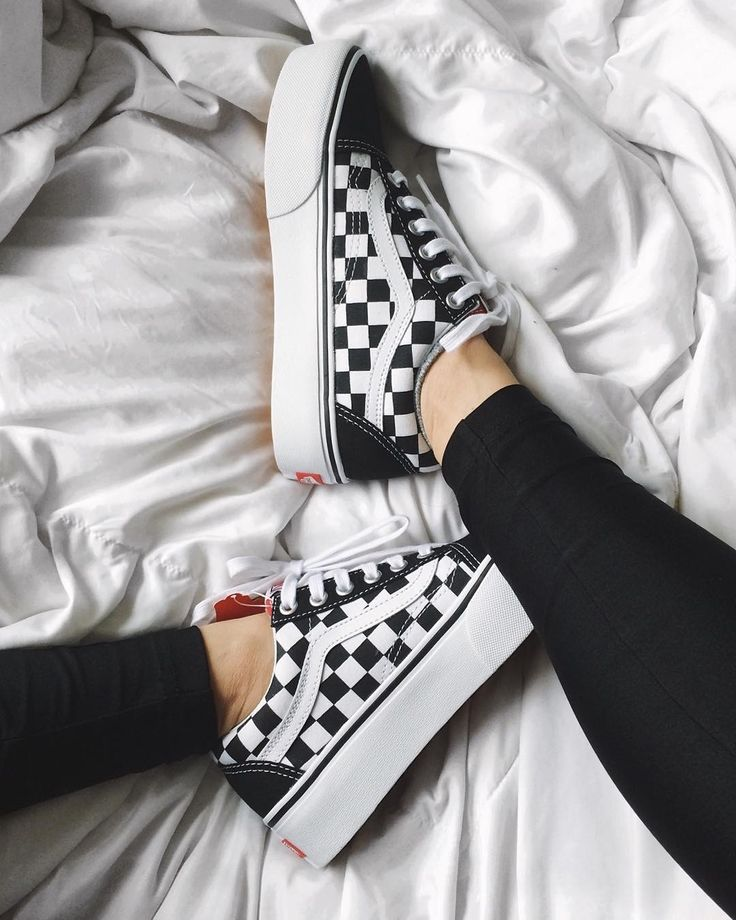vans checkerboard platform uk