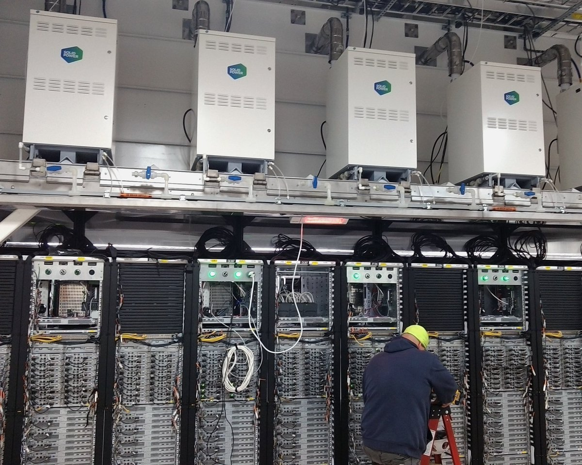 Power generation at the rack at #Microsoft #datacenter, based on highly efficient #fuelcells from #SOLIDpower     http:// goo.gl/2PkTV4  &nbsp;  <br>http://pic.twitter.com/g0Qk00wqQq