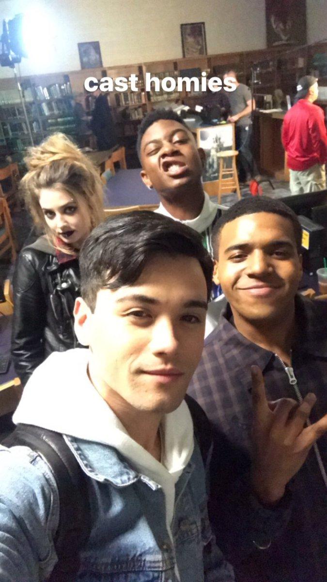 📷| Cast de Scream nos bastidores da 3ª t...