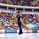 ロシアGPを前に、#羽生結弦 選手が会場のメガスポルトで練習をしました。#フォギュア #フィギュアス…