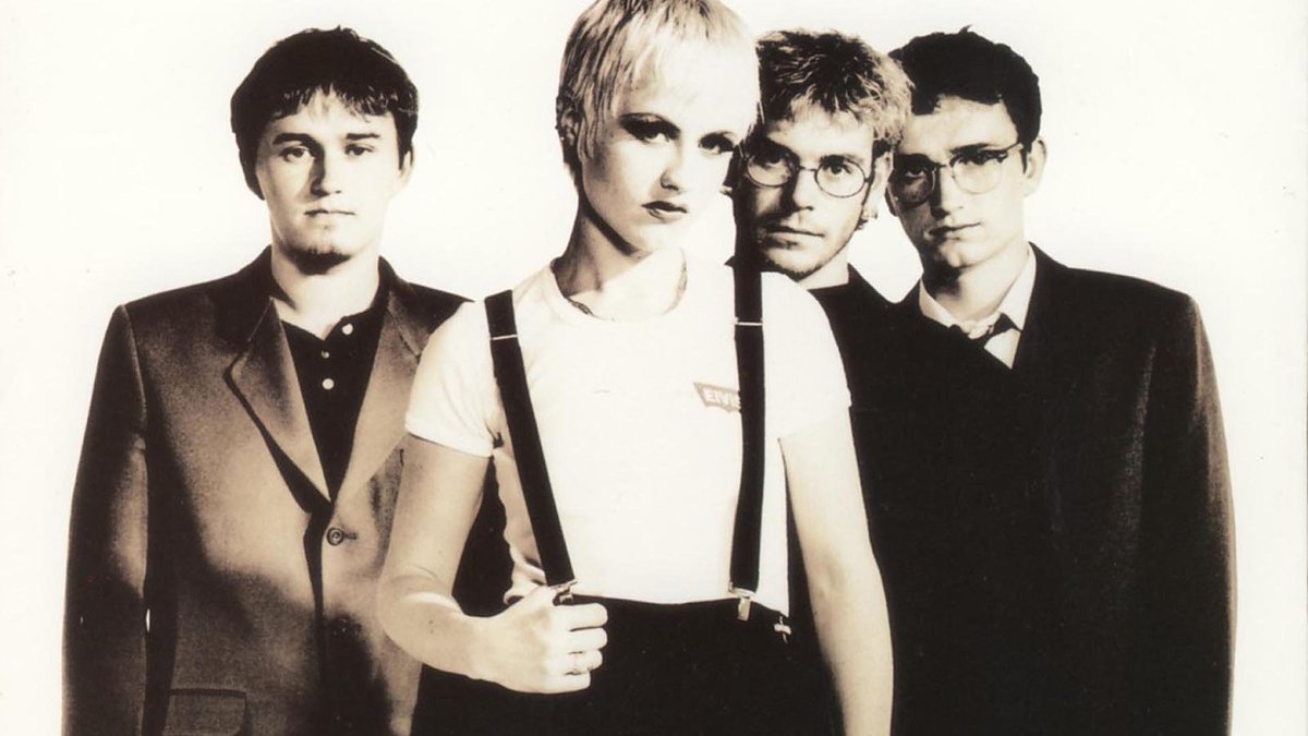 No dejes que se esfume #MORCILENTOS 💞  The Cranberries - Linger https:...