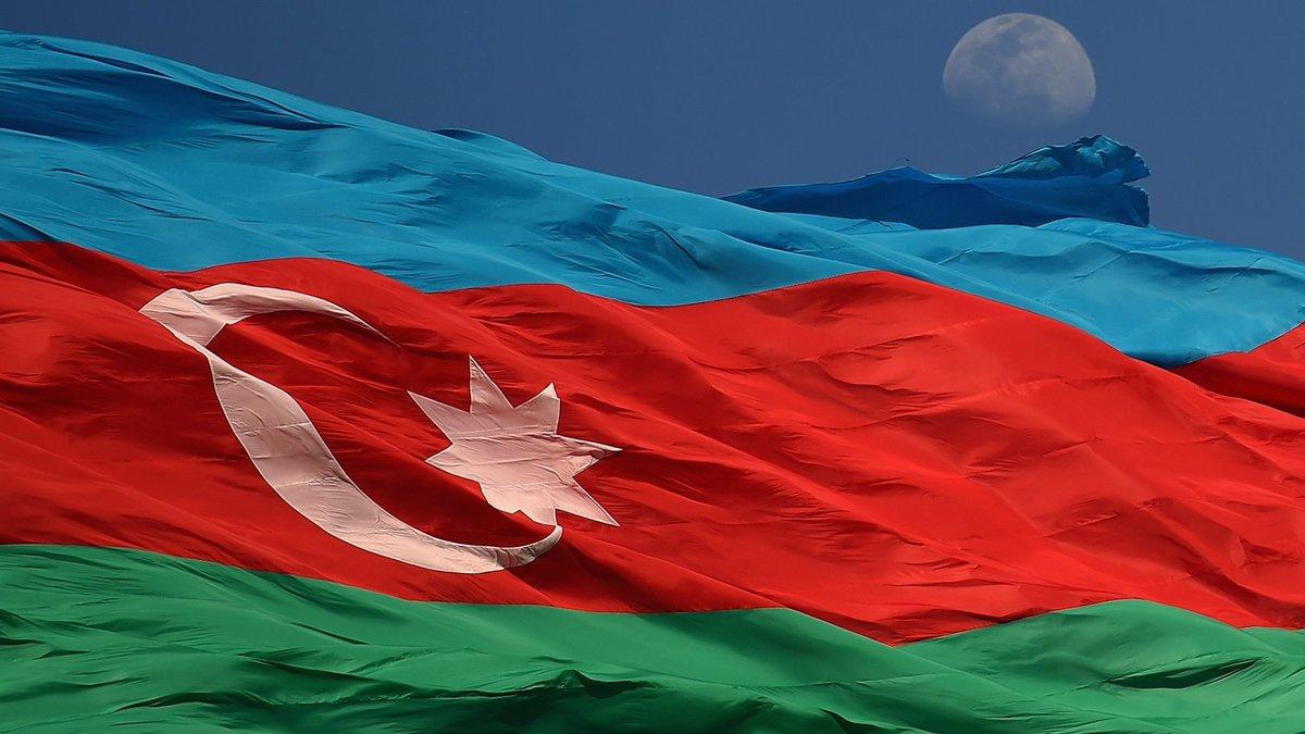 Can  #Azerbaycan'ın 26. Bağımsızlık Günü kutlu olsun. 🇦🇿 https://t.co/...