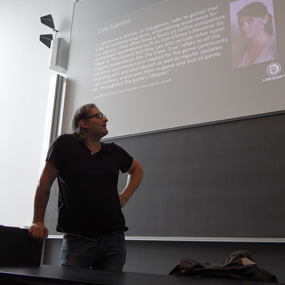 Alessandro Canossa opens #gain17 day two with a workshop on frequent pattern mining and sequence clustering. <br>http://pic.twitter.com/fLk4XLioGp