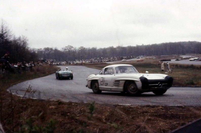 1959 Marlboro Motor Raceway   #Mercedes SL and Big Healey <br>http://pic.twitter.com/8bgx6r5gNE