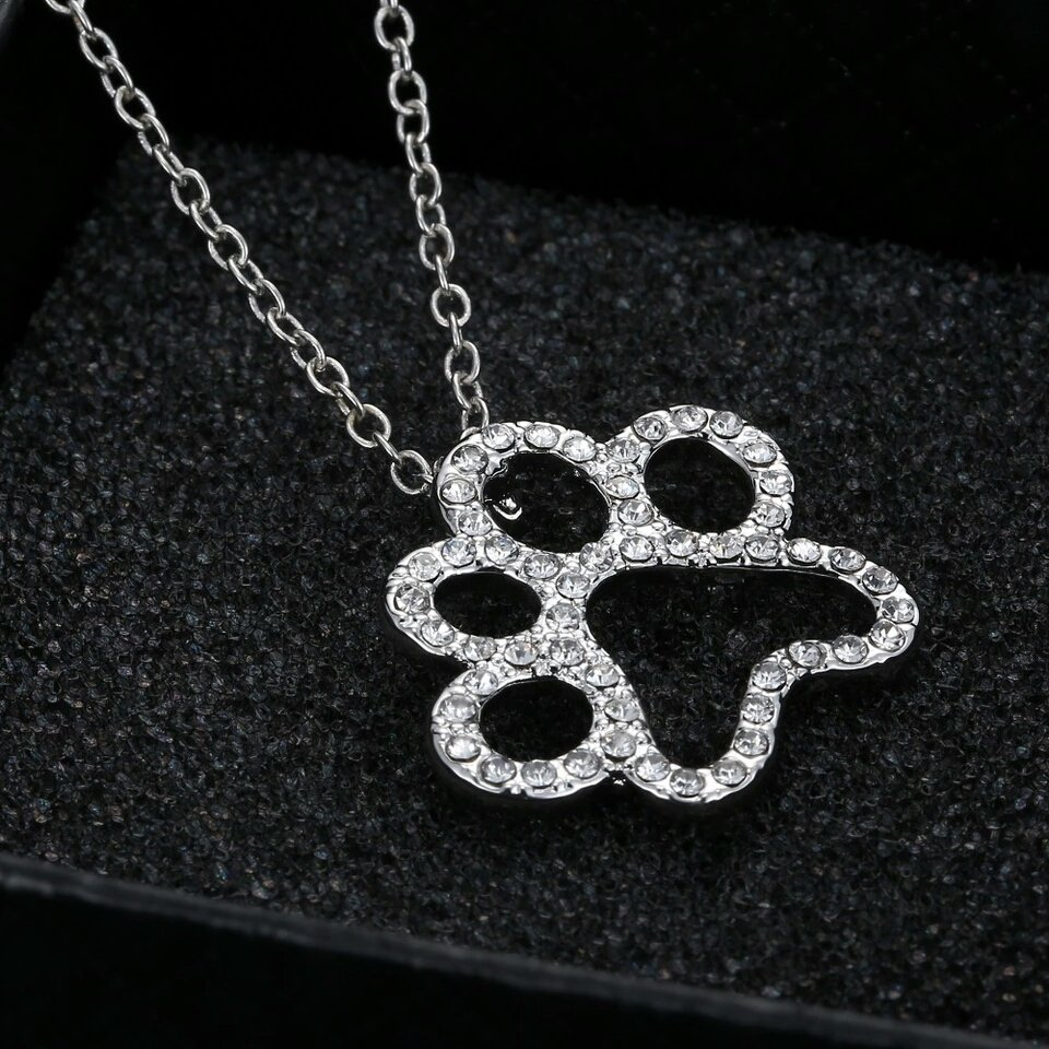 18k #White #Gold Plated #Crystal #Dog Paw #Pendant Chain  http:// ebay.co.uk/itm/1625343315 74 &nbsp; …  #Londonislovinit #flockbn #ukbiz #BritHour #Tweeturbiz #SBS<br>http://pic.twitter.com/Ww5IJuRMGV