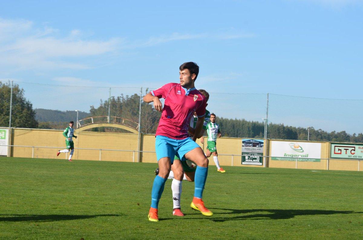 Hoxe está de cumpreanos o cabaleiro da Terceira División...Santi Gegunde!!! Parabéns @santilugo9!!! 🎂🎂🎂