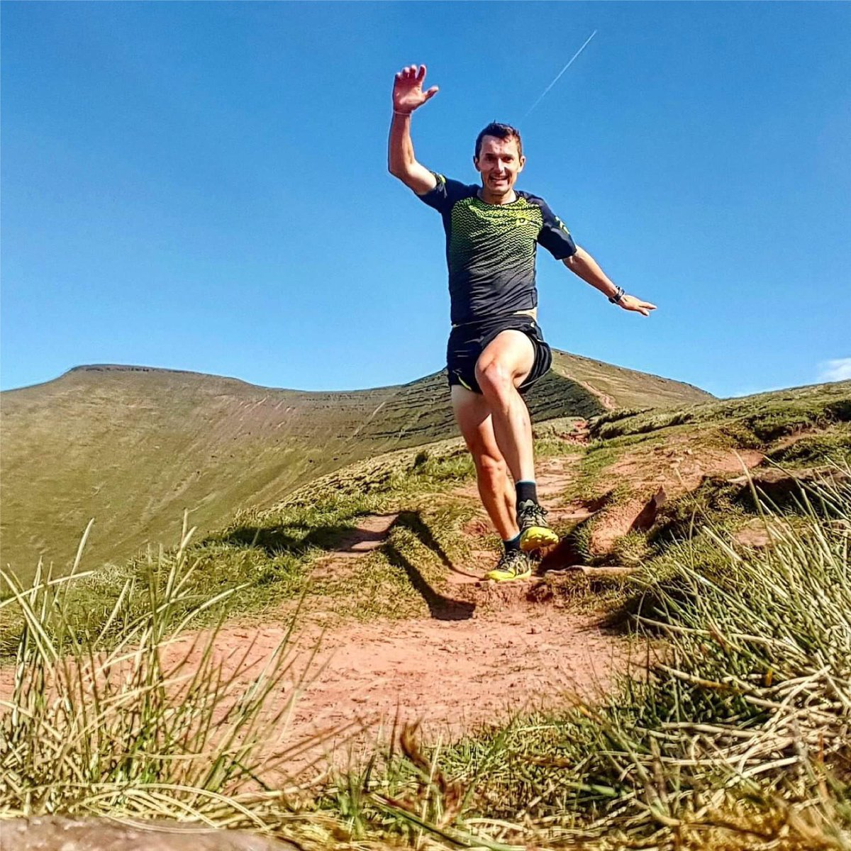 #HumpDay setting in? Get inspired by these great Scott Snowdonia Trail tips!   https:// goo.gl/NHikYf  &nbsp;   #TrailRunning <br>http://pic.twitter.com/zdrKaG8ARk