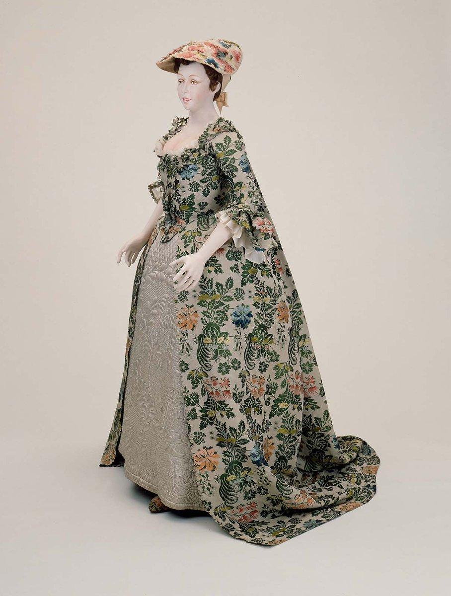 #weddingwednesday 1742 Spitalfields @mfaboston wedding gown. &#39;Worn by Mary Beck on the 1st of September to Nathaniel Carter.&#39;<br>http://pic.twitter.com/fRn9gK5Yj2