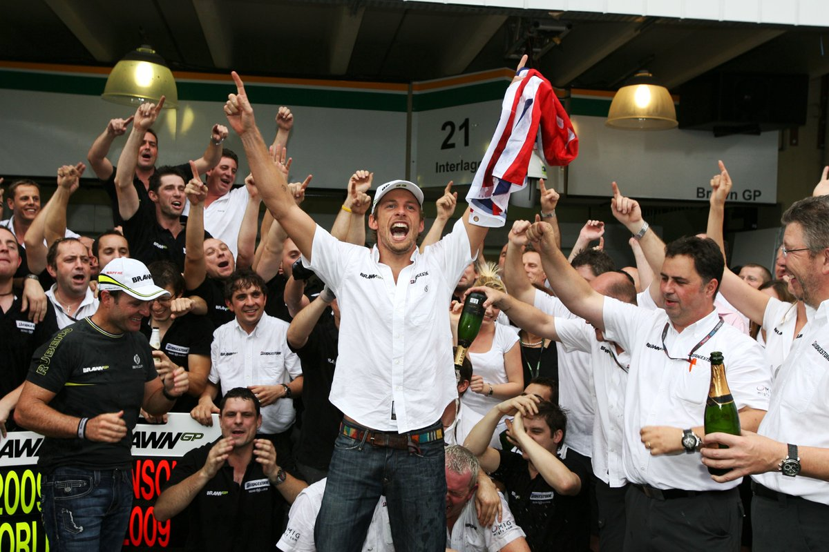 OCTOBER 18, 2009  @JensonButton becomes #F1 world champion for the fir...