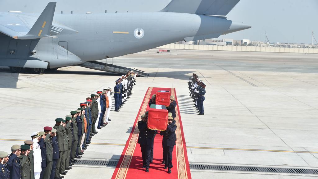 Bodies of Emirati pilots killed in Yemen arrive in #UAE https://t.co/HQtrKNSTuy