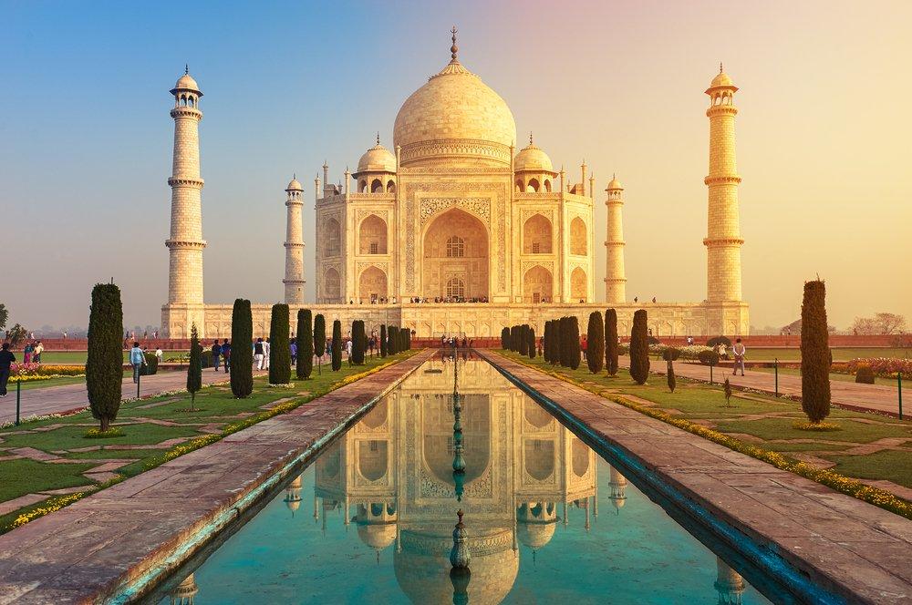 God's Own Country salutes the #TajMahal for inspiring millions to discover India. #incredibleindia https://t.co/TXqSXQ9AYQ