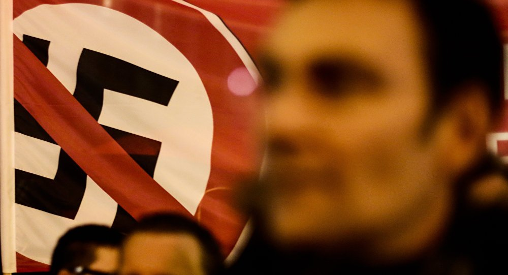 Líder neo-nazista se declara gay, revela ser judeu e abandona movimento no Reino Unido https://t.co/dJ9qPxMl5Z
