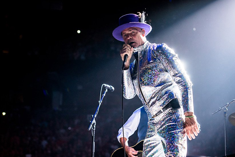 #RIP Gord Downie. You music spun in every locker room I've ever entered, and gave pride to every Canadian I've ever encountered.  #WheatKingsOnRepeat