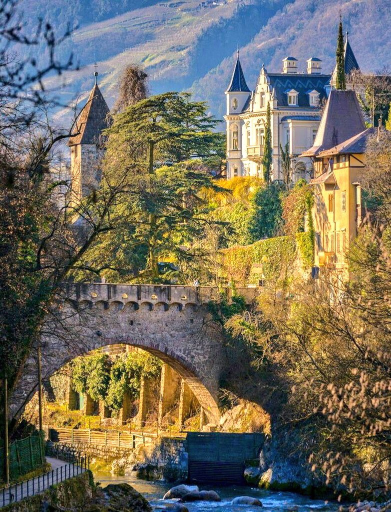 #Merano, beautiful Alpine town. Be sure to visit Trauttmansdorff Castle with its terraced gardens!and the local #Spa #Italy #Italia<br>http://pic.twitter.com/1ag6ZHwiqZ