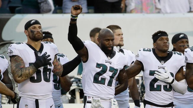 Amazing #Eagles DE Chris Long is donating his entire season of game checks   For educational equality in Charlottesville, VA, Philly etc<br>http://pic.twitter.com/pnqXFpe37n