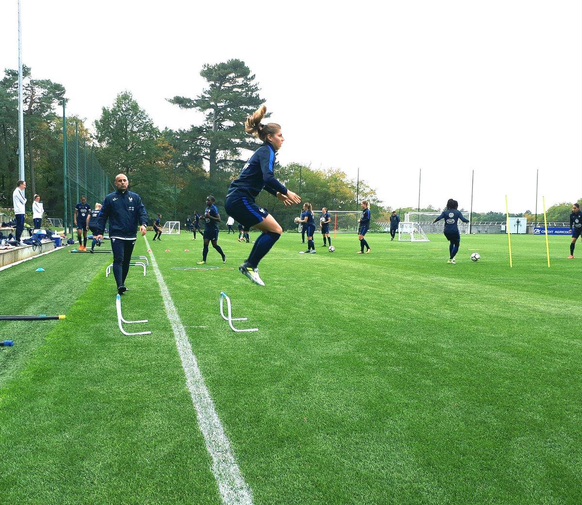 Équipe de France féminine de football DMbHoUpX0AAHWYR
