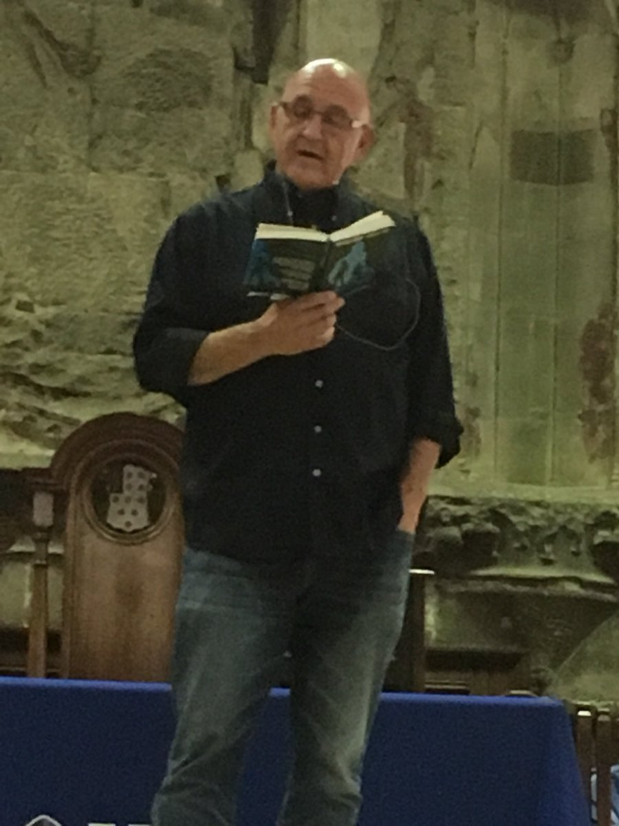 Listening to @MichaelGrantBks reading something 'dark, horrible and violent' from #Monster @AuthorsAloudUK<br>http://pic.twitter.com/awvT5zYJ5X