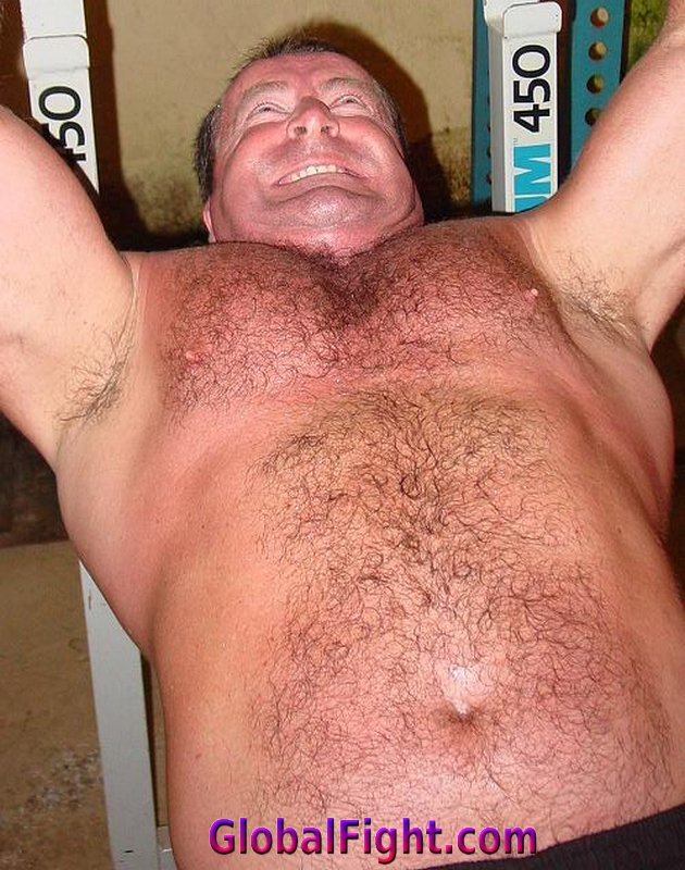 My  http:// GLOBALFIGHT.com  &nbsp;   TN Benchpressing pal #gym #benchpressing #bench #pressing #hairychest #daddy #husband #hairy #muscles #man #men <br>http://pic.twitter.com/50GARJrwkU