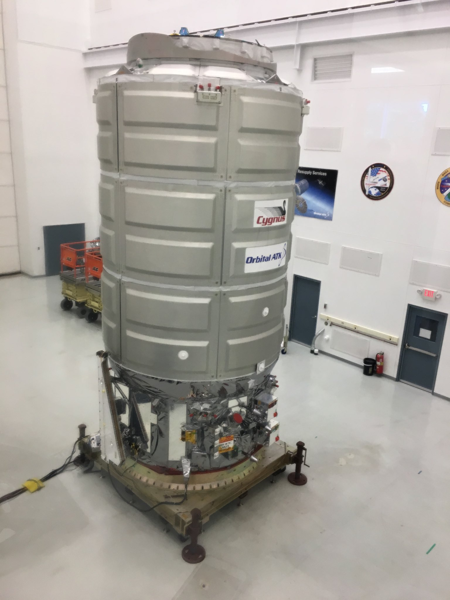 The Orbital ATK Cygnus OA 8 vehicle ready for launch in Nov. https://t.co/VvNtdARi7v