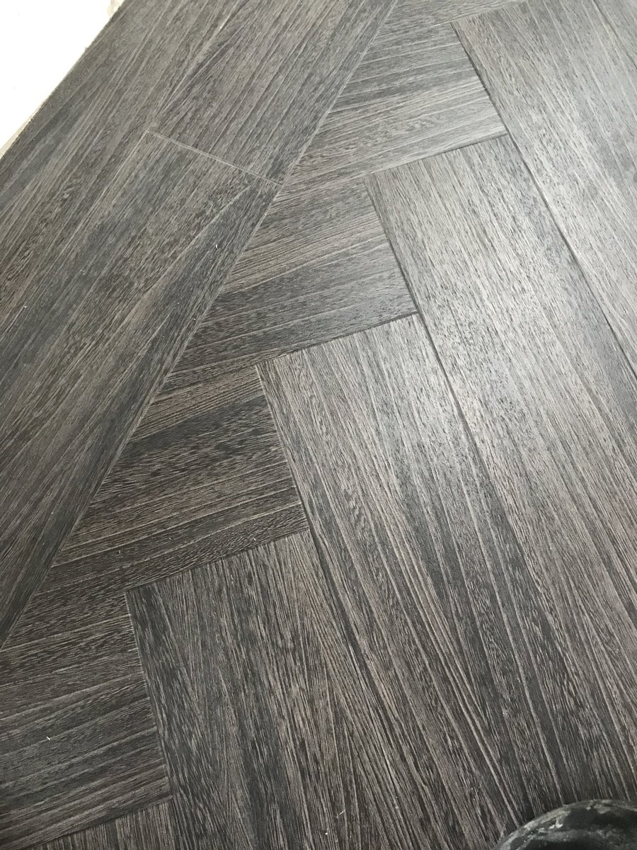We are in the process of doing a big twin block border in a herringbone pattern job from @AmticoFlooring #signiture #range (pictures soon) <br>http://pic.twitter.com/JdzWstq8KV