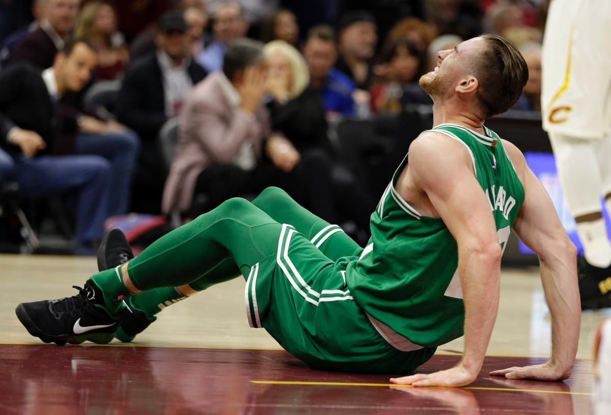 SEE IT: Gordon Hayward suffers gruesome ankle injury after failed alley-oop in Celtics debut (WARNING: GRAPHIC) https://t.co/lPA9fCYSSw
