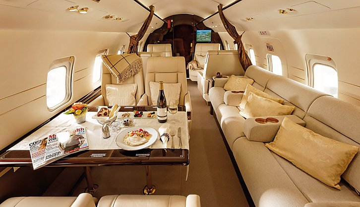 No need for 5-Star restaurants when you can dine in the clouds! Enjoy it in this #Challenger604 MSN 5624!  http:// bit.ly/2jC5eEf  &nbsp;    #bizav  <br>http://pic.twitter.com/XqAPsCZNQw