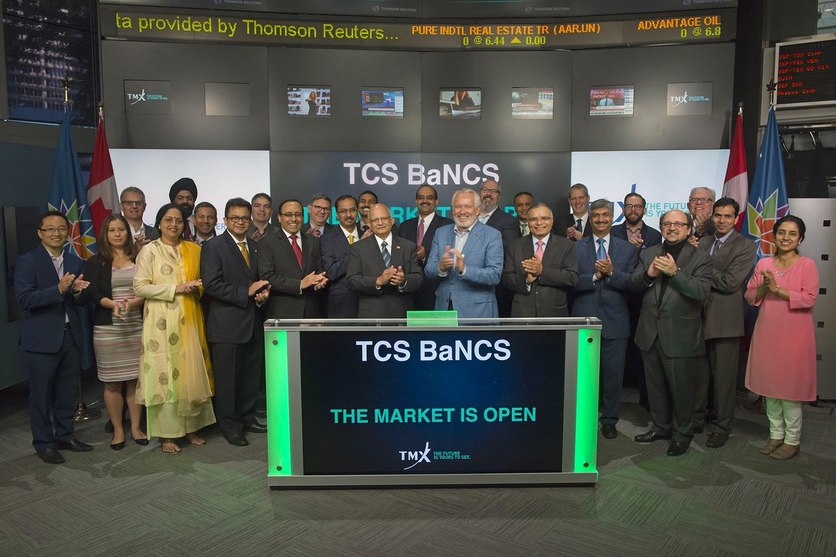 TCS rings opening bell at the Toronto Stock Exchange on the sidelines of @SIBOS 2017, @TMX Group, #Canada150   http:// on.tcs.com/2yq6r8L  &nbsp;  <br>http://pic.twitter.com/bnxjMotgbg