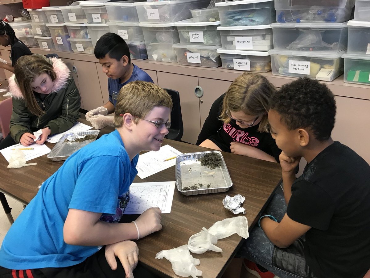 Harris and Quick's turn for pellet dissection! #engaged #science #ew @theSMSD @RStar512 @Mrs_DevinEllis @MrWilliams1245 @QuickSMSD<br>http://pic.twitter.com/QdpTmWMz9R