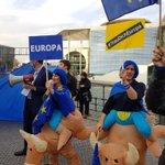 @PulseofEurope #TrauDichEuropa Für Europa vorm #reichstag