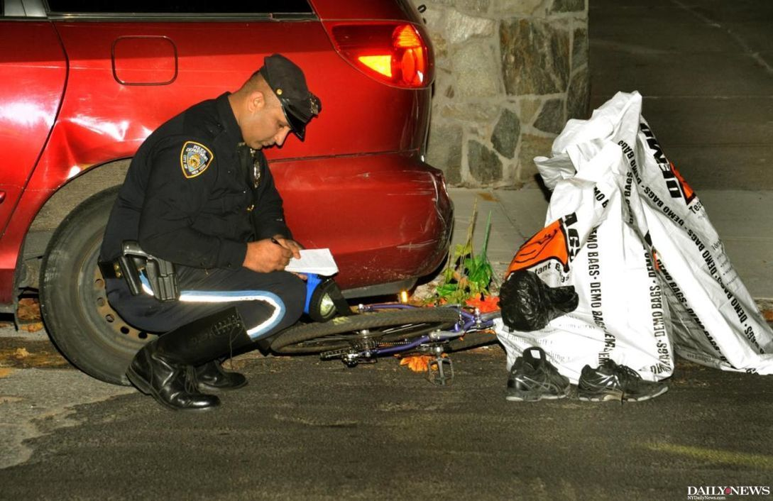Queens pedestrian pinned against parked car by hit-and-run driver https://t.co/iJsJI8OgrY