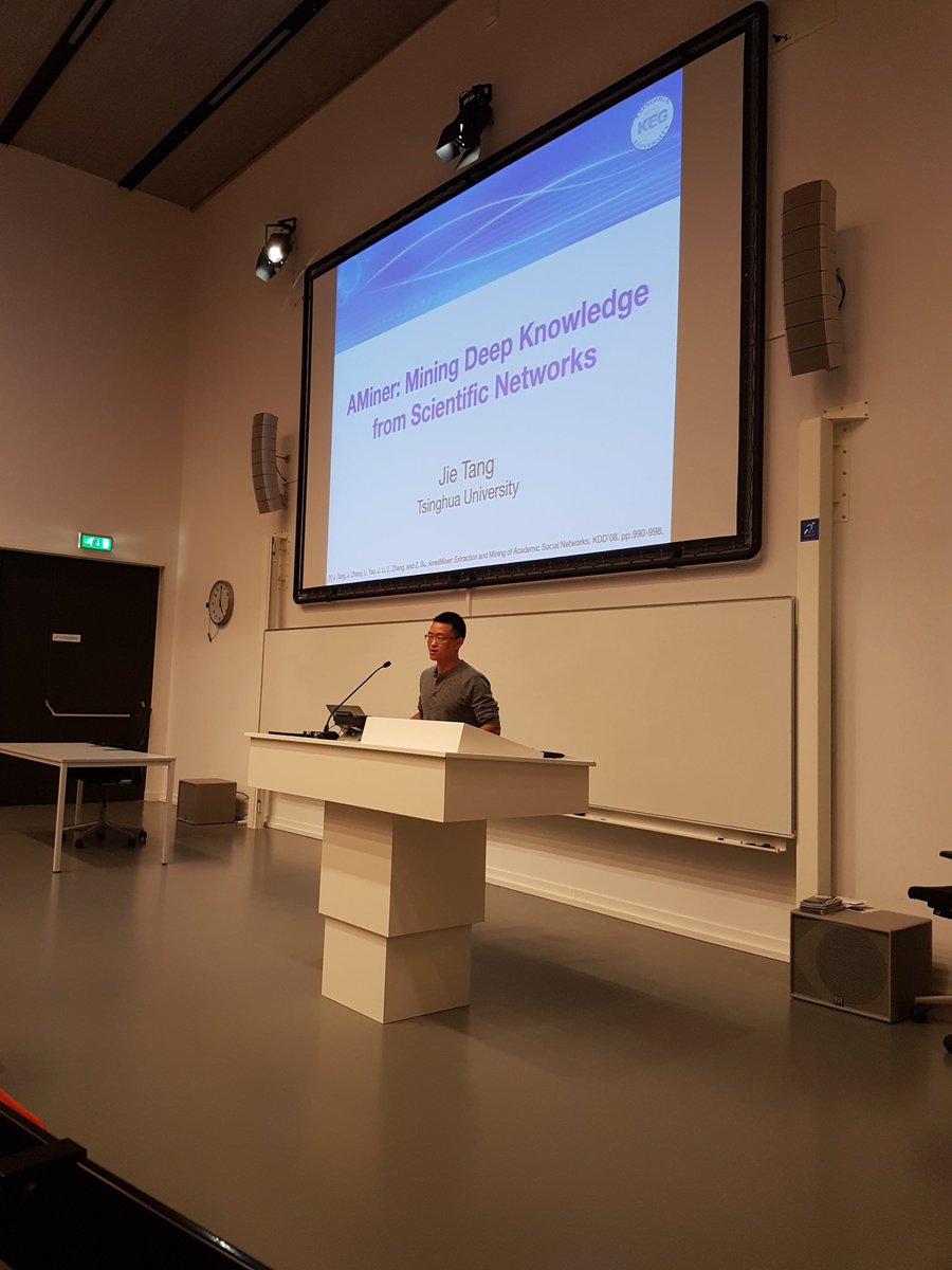 Jie Tang @Tsinghua_Uni presenting at our Meetup on #AMiner #AcademicSearch @UvA_Amsterdam<br>http://pic.twitter.com/EWLUerIxNi