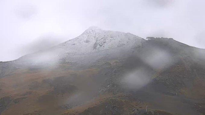 Empieza a nevar en cotas altas de Pirineos! ❄️😄 [📸 #PicDePiau] #ganasdenieve #WinterIsComing #temporada17_18