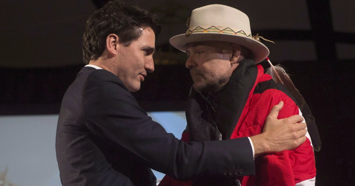 'We are less as a country without Gord Downie in it,' tearful Trudeau says https://t.co/NAX7kMe34X