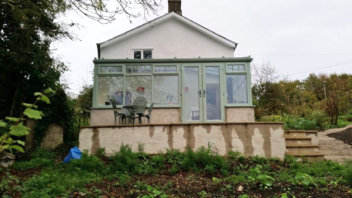 Beautiful @DeceuninckUK conservatory in chartwell green with self cleaning smart glass in the roof #conservatory #window #doors #dorset<br>http://pic.twitter.com/r49SEusefg