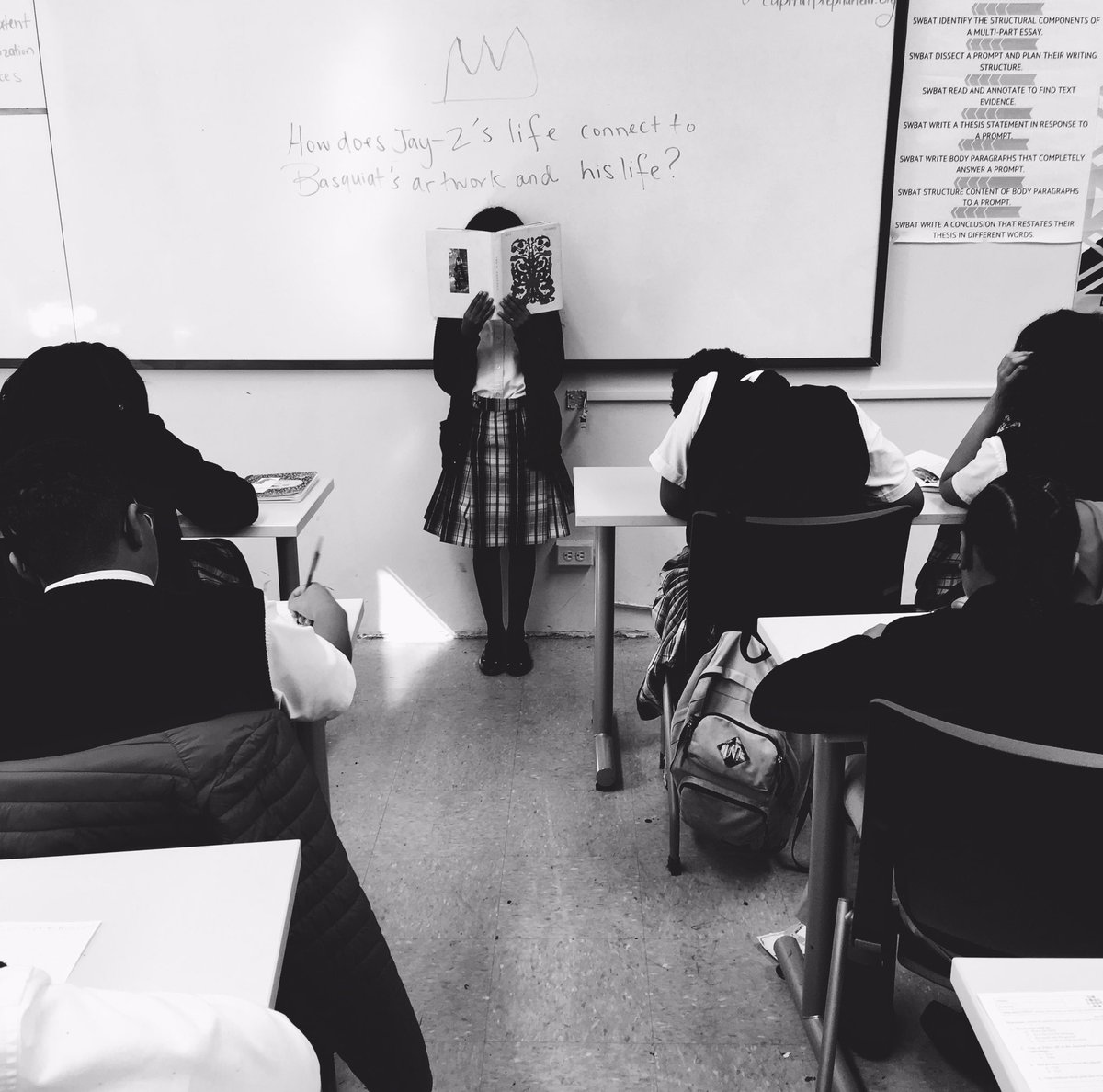 This week my advisory class has been drawing comparisons between @S_C_&#39;s &quot;Decoded&quot; and #Basquiat&#39;s art + biography. <br>http://pic.twitter.com/HI1irUZZtO