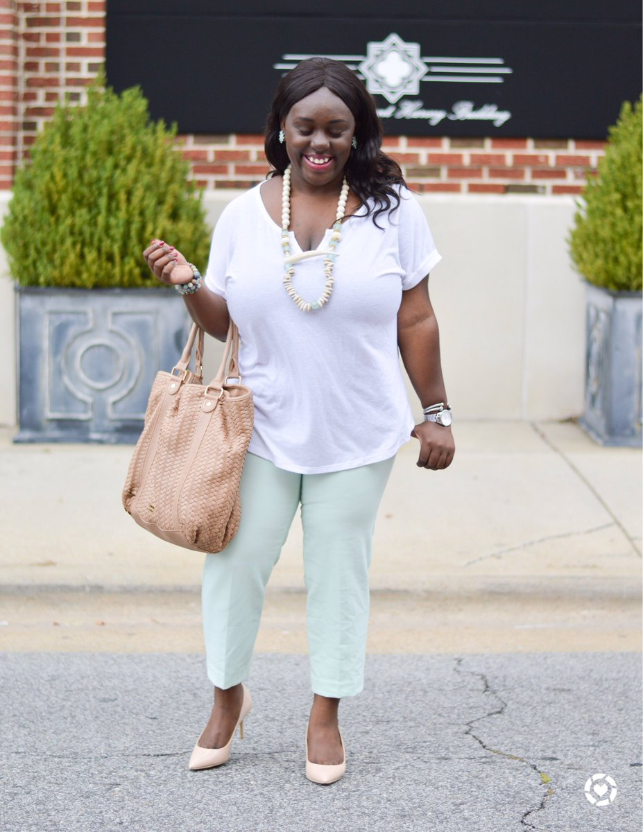 I can&#39;t get enough of this #WorkWearWednesday look!  Shop:  http:// liketk.it/2t6oy  &nbsp;   #liketkit  Today&#39;s post:  http:// bit.ly/2ij3xwi  &nbsp;  <br>http://pic.twitter.com/QLxJrw0srx