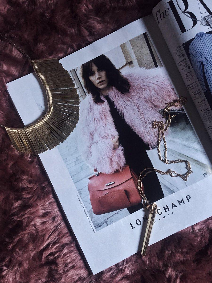 Five of the hottest jewelry trends right now:  http:// bit.ly/5StellaandDotT rends &nbsp; …  | @FemaleBloggerRT #fashionblogger #fbloggers <br>http://pic.twitter.com/aJK2jAPdEr